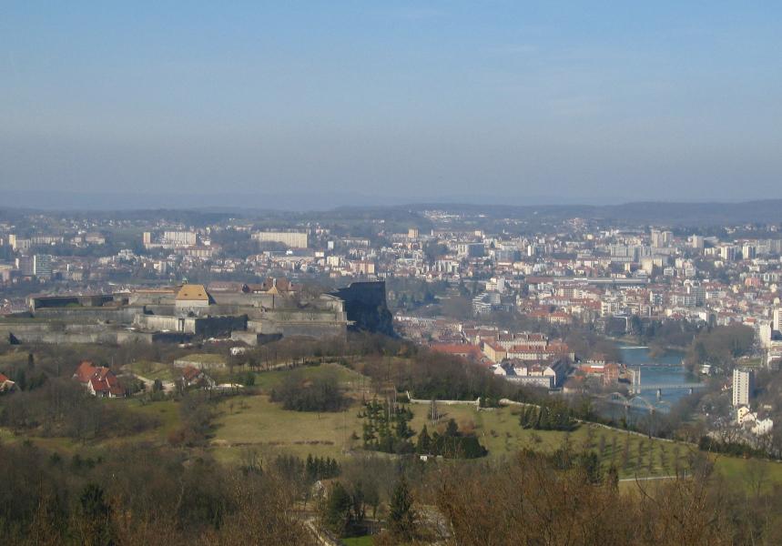 Vue sur la Citadelle depuis la chapelle des buis