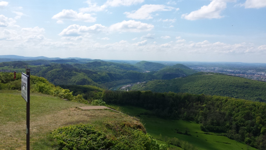 CVue sur les collines depuis Montfaucon