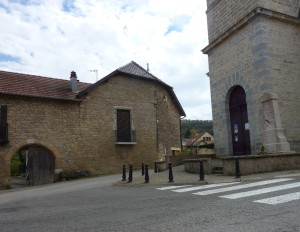 Vorges église et ferme