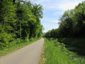 Véloroute et canal à Thoraise