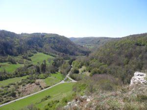 rocher du tourbillon vue sur la vallée de la brème