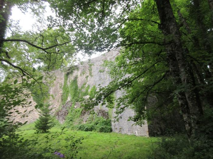 remparts de Châteauvieux